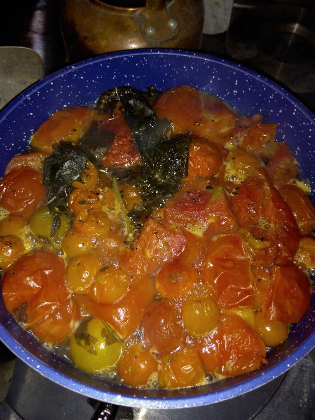 RECIPE: Homemade Tomato Sauce 😋