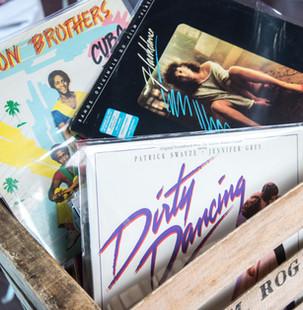 plus de 200 vinyles à disposition