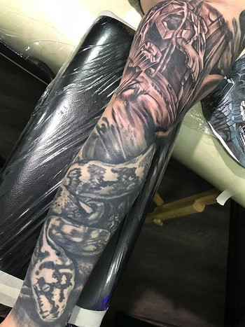 Sleeve work. Almost finished with this o