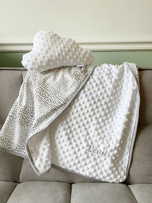 Baby blanket in printed jersey & dimple fleece