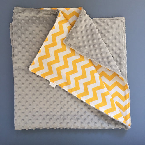 Baby blanket in printed cotton & soft minky backing