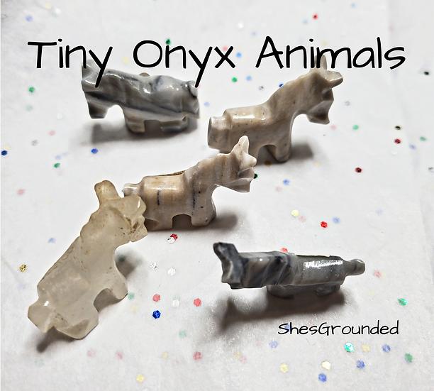 1 pc Tiny Onyx Horse