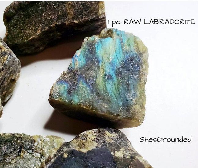 1 pc raw labradorite