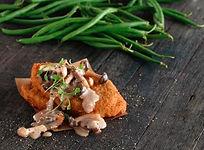 Vegan Golden Crumbed Schnitzel Foto.jpg