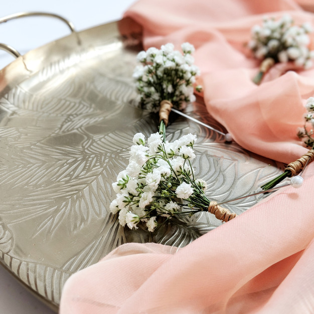 Gypsophila_Buttonhole_wedding_jessica_hi