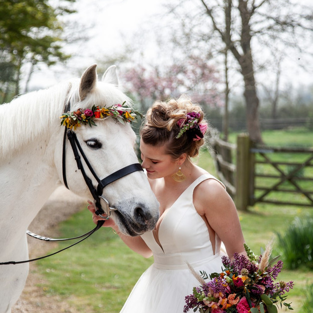 Jessica Hillier Floral Design_Wedding_country_Aztec_Boho