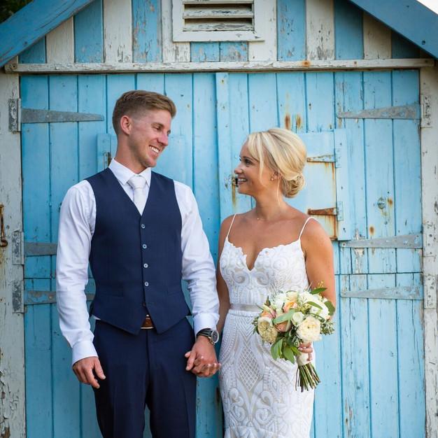 Bride_&_groom_summer_coastal_wedding_jes