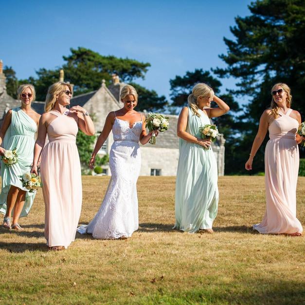 Summer_bridal_party_coastal_jessica_hill