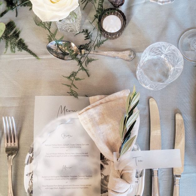 wedding_table_ideas_stationary_olive_wed