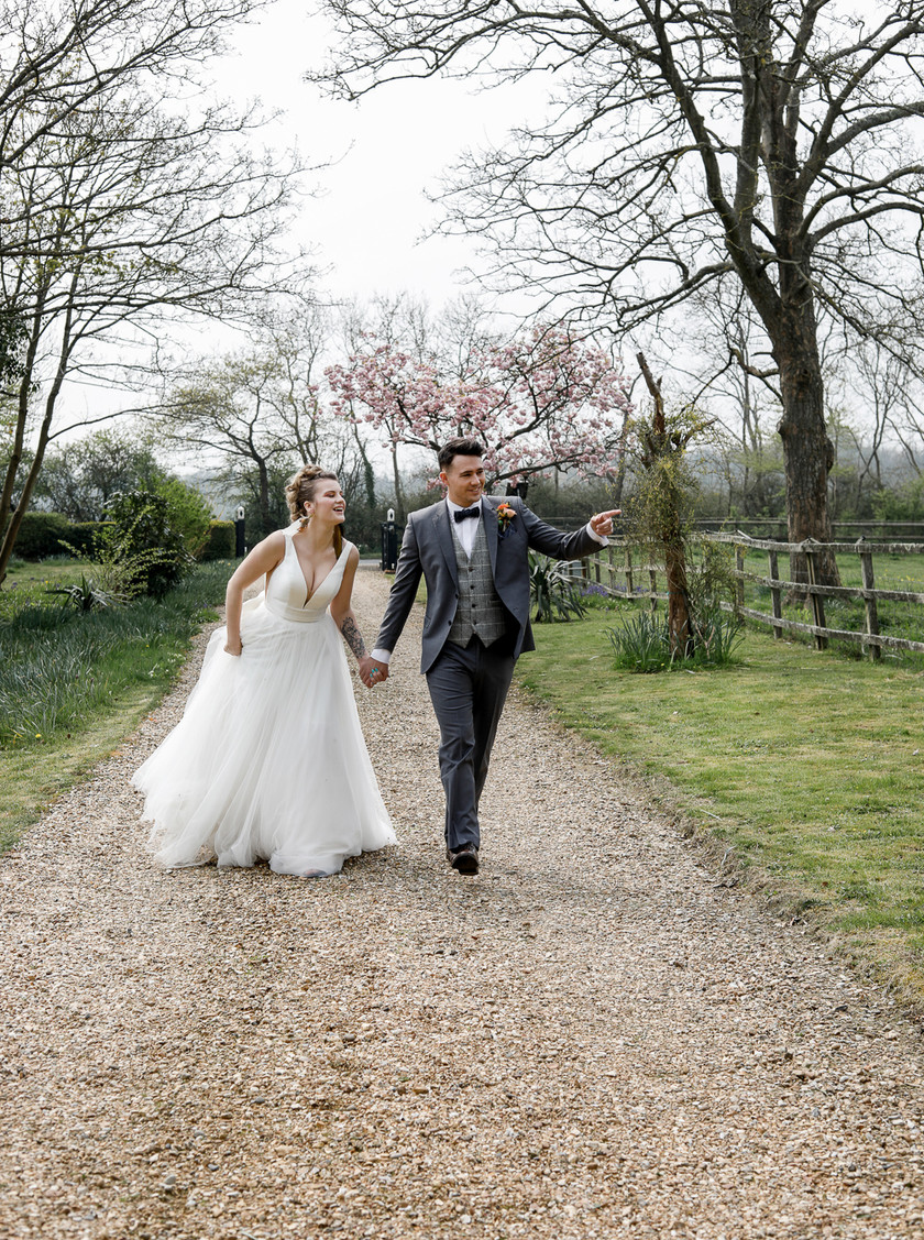 Country bride and groom. Aztec boho inspired wedding