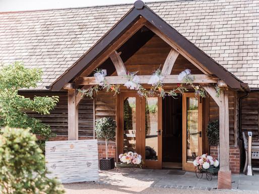 Sandhole Oak Barn wedding venue, the entrance