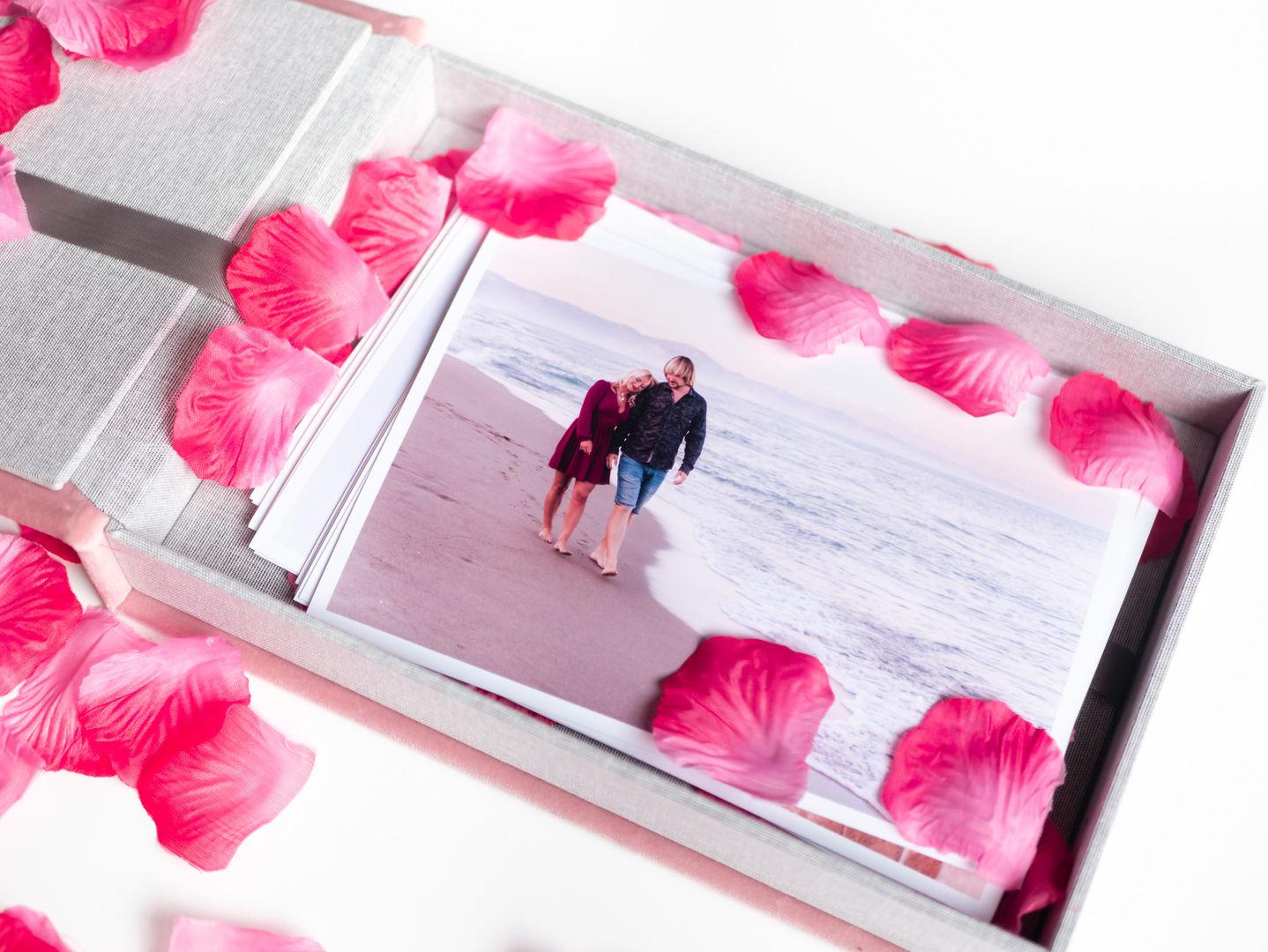 Sample photo box-1140316.jpg