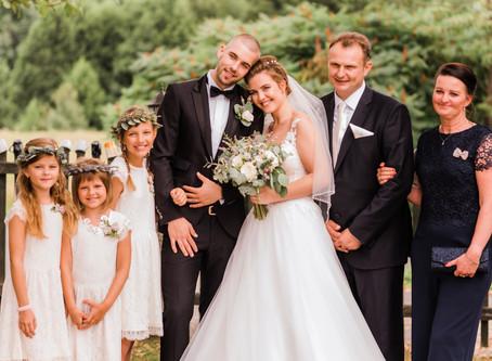 Nela & Peter, a rustic wedding in the Czech Republic
