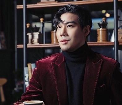 팝페라가수 문지훈, '내일을 여는 국민의 국회' 제72주년 제헌절경축식 애국가제창