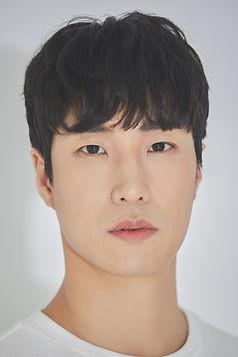 배우 신현묵의 모습