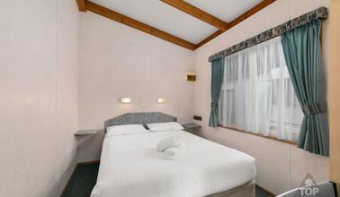Deluxe cabin Queen Room