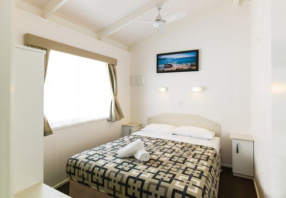 Deluxe cabin - Queen Room