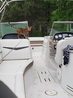 Mia sur le bateau