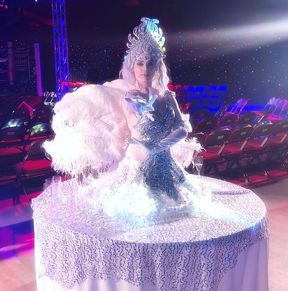 WinterWorks Entertainment - Living Table - Ice Queen - Ice Statue - Events - Hospitality
