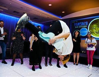 WinterWorks Entertainment - 80s entertainment - Break dance - Break dancers - acrobatics - event entertainment