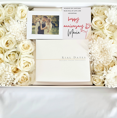 Special Gift Box: Customizable Fresh Flowers Box with chocolate truffles