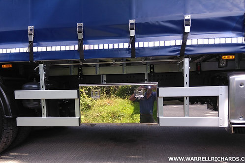 W900xD700XH450 Aluminium toolboxwith a mirrored stainless door