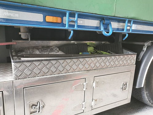 Slanted Chequer Plate Trays Strap Storage, Aluminium Truck Toolboxes