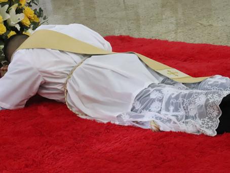 Padre Dicarlos é o primeiro sacerdote ordenado na Diocese de Cruz das Almas