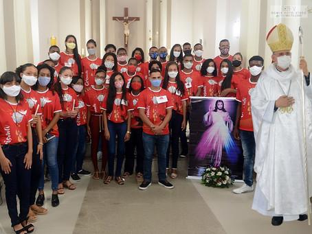 Jovens recebem o Sacramento da Crisma em Governador Mangabeira