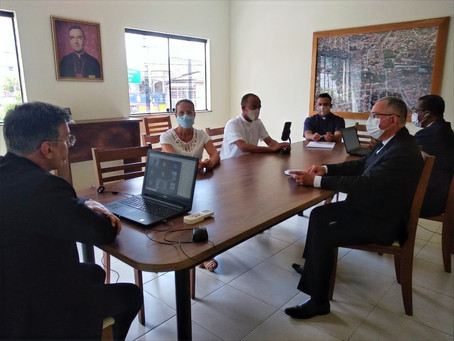 Auxiliares Administrativos da Diocese participam de reunião virtual