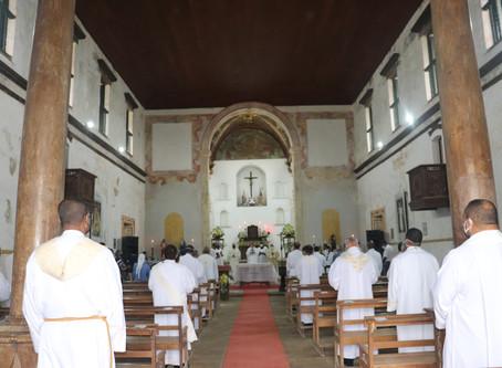 Clero Diocesano se reúne em Celebração do Dia do Padre