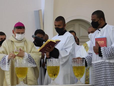 Dom Antonio Tourinho preside Missa dos Santos Óleos e da Renovação das Promessas Sacerdotais