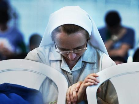 25º Dia da Vida Consagrada: CNBB une-se de forma especial, aos consagrados, em seu louvor e súplica