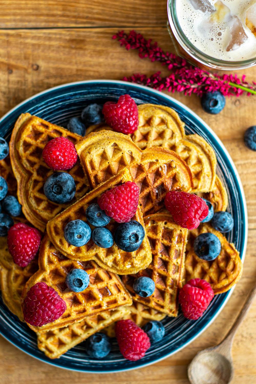 Recept voor healthy wafels met pindakaas en rood fruit