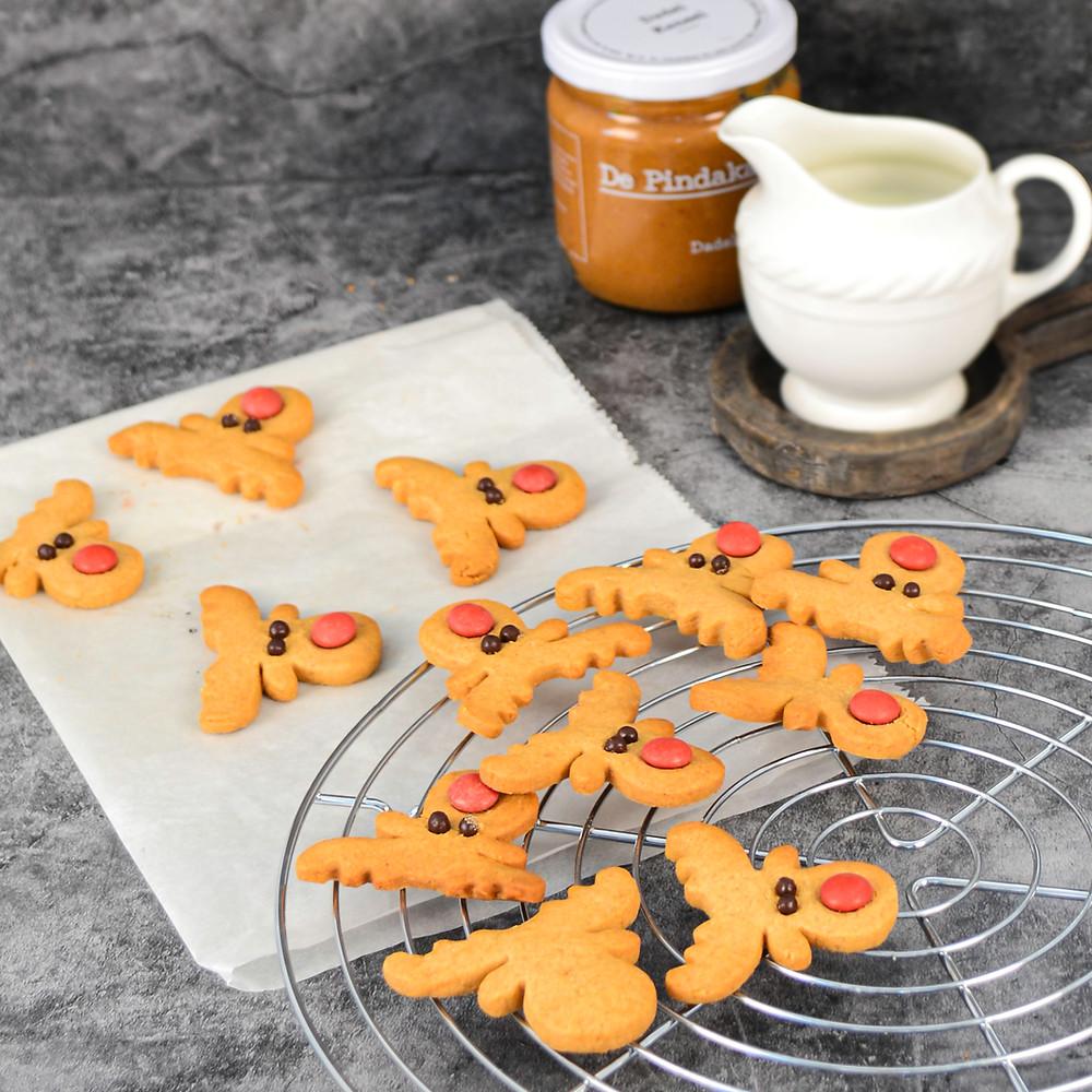 Recept om pindakaas koekjes in de vorm van Rudolf te maken