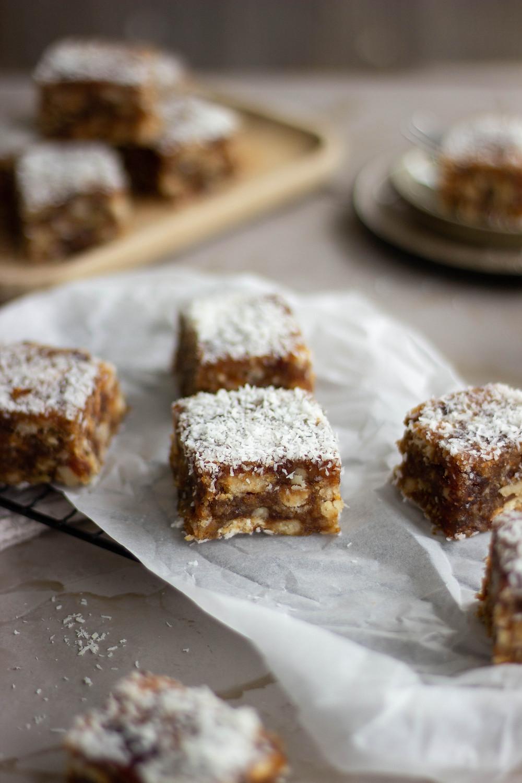 Recept voor een gezonde taart met dadels en kokos