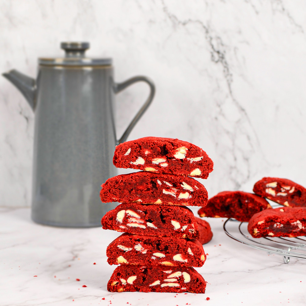 Recept voor de lekkerste red velvet chocolate chip cookies