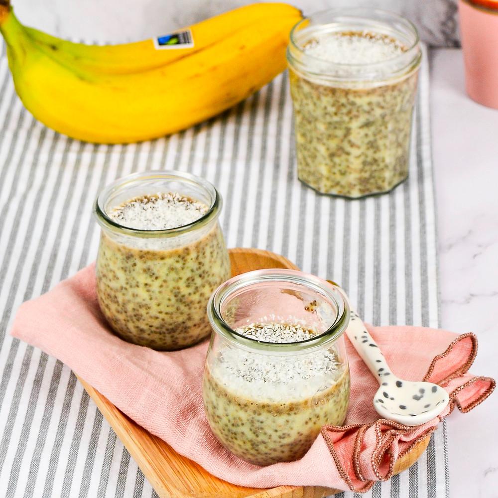 Chiazaad pudding met mango en banaan recept