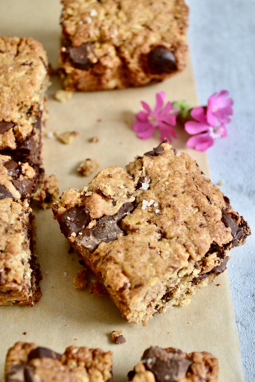 Gezondere pure chocolade havermout cookie bars