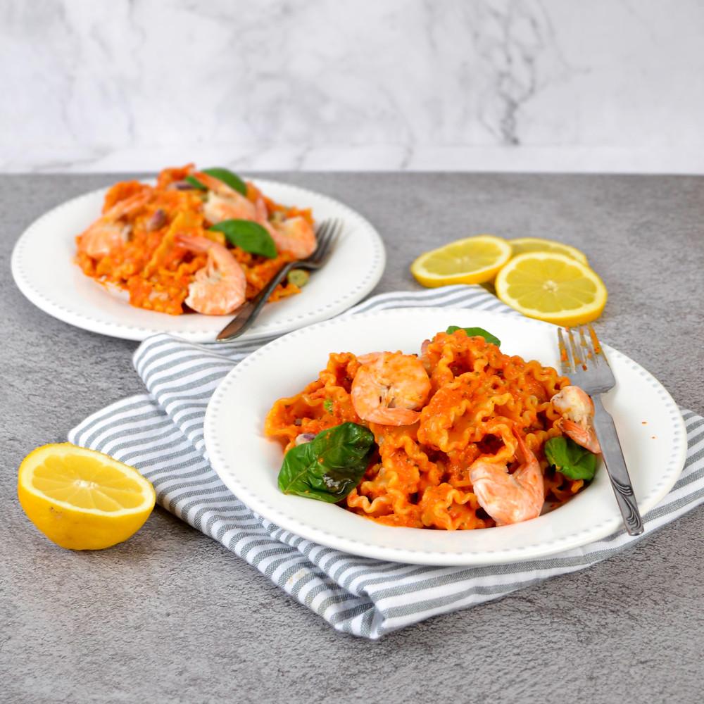 Recept voor een romige paprika tomatensaus met garnalen