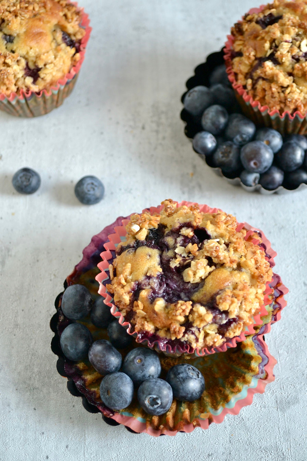 Blueberry-crumble muffins