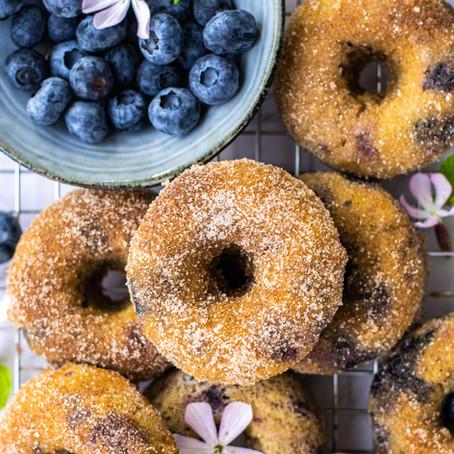 Bosbessen kaneelsuiker donuts