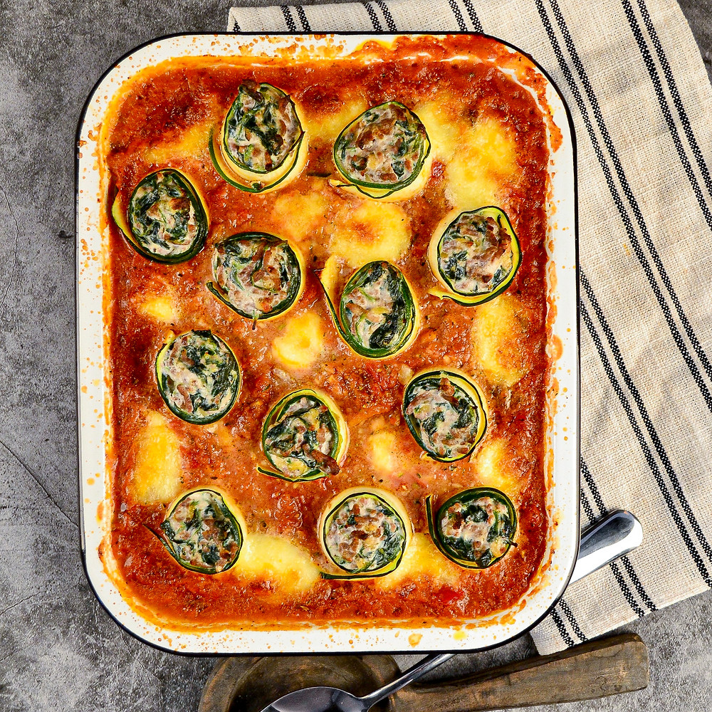 Recept om gevulde courgette rolletjes te maken met spinazie en ricotta