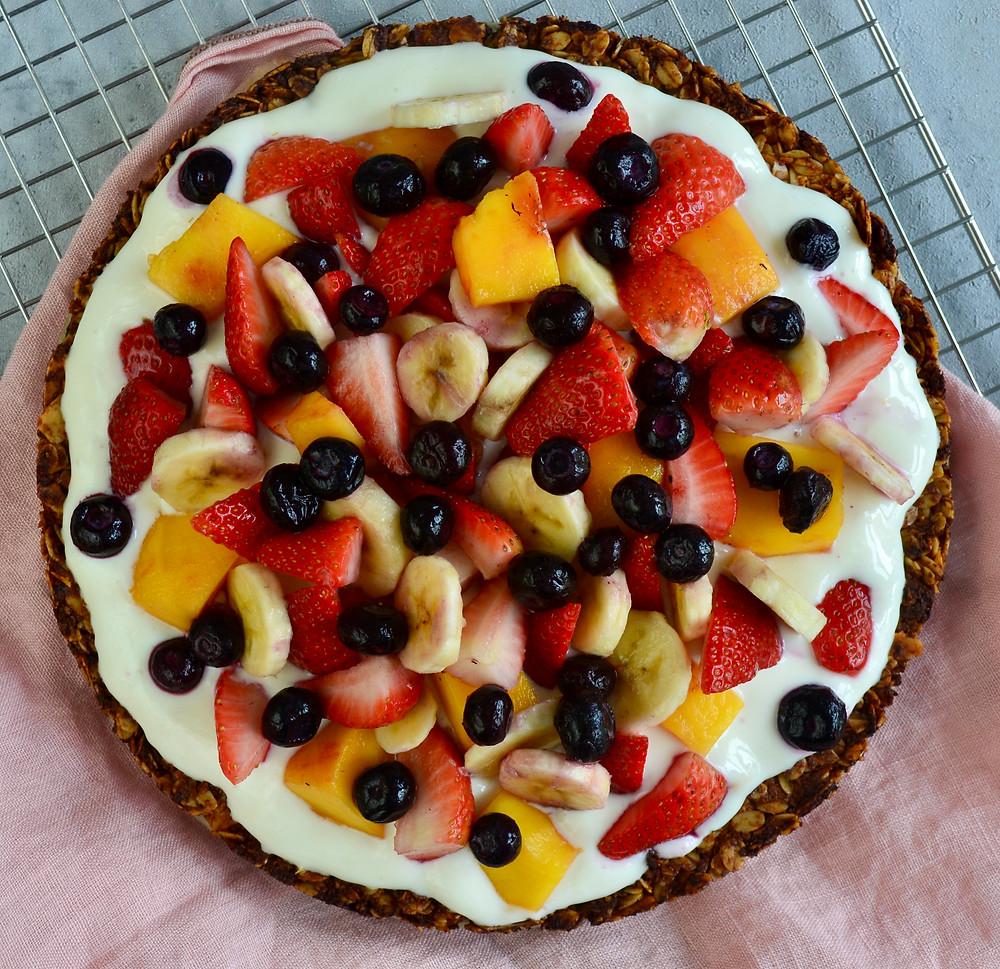 Ontbijttaart met vers fruit