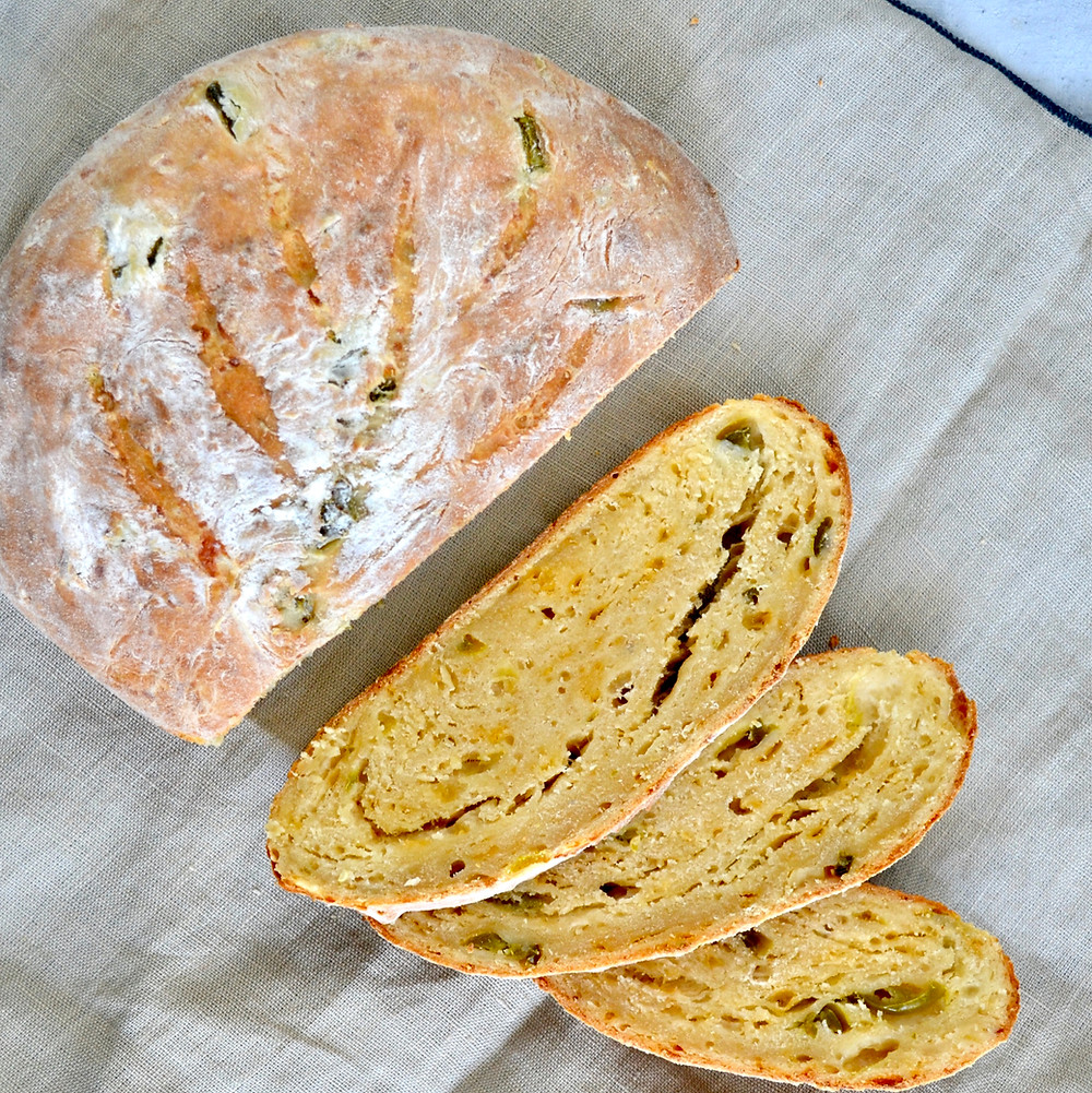Jalapeño cheddar brood
