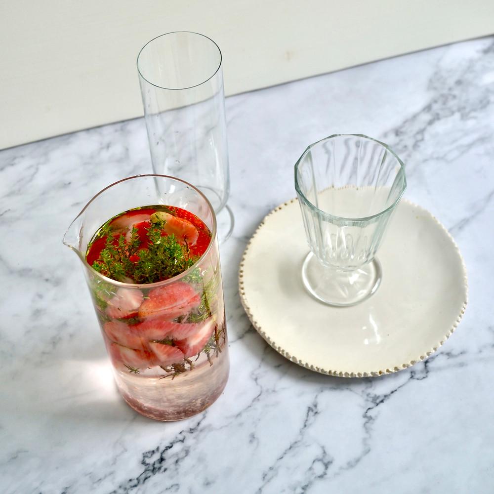 Vruchtenwater tijm en aardbei