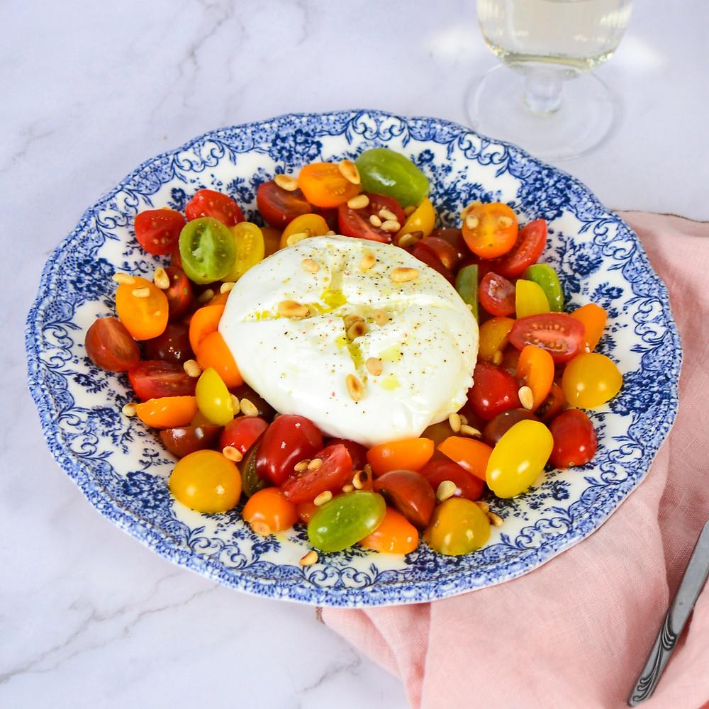 Recept voor een salade met buratta en tomaat
