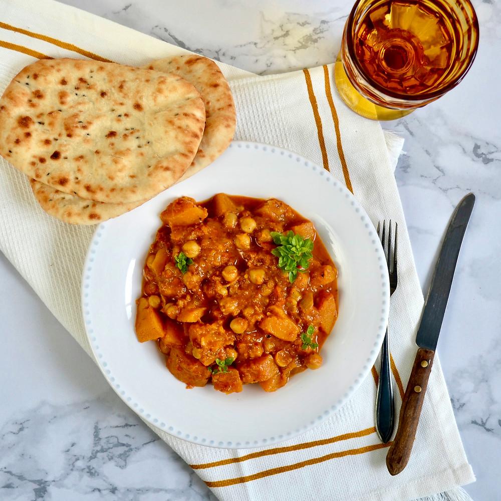 Indische curry met kikkererwten en pompoen