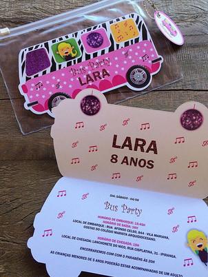 """Convite para """"Bus Party"""" com envelope Ne"""