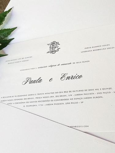 Convite tradicional com monograma no est